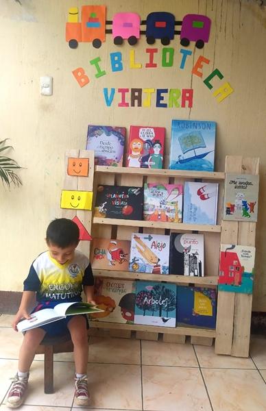Biblioteca itinerante per bambini durante l'epidemia di COVID-19, Guatemala